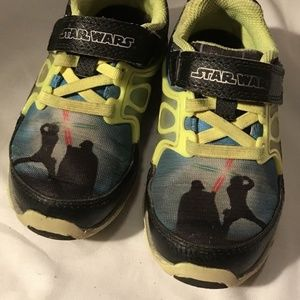 Star Wars Light Up Stride Rite Kids Sneakers SZ 8